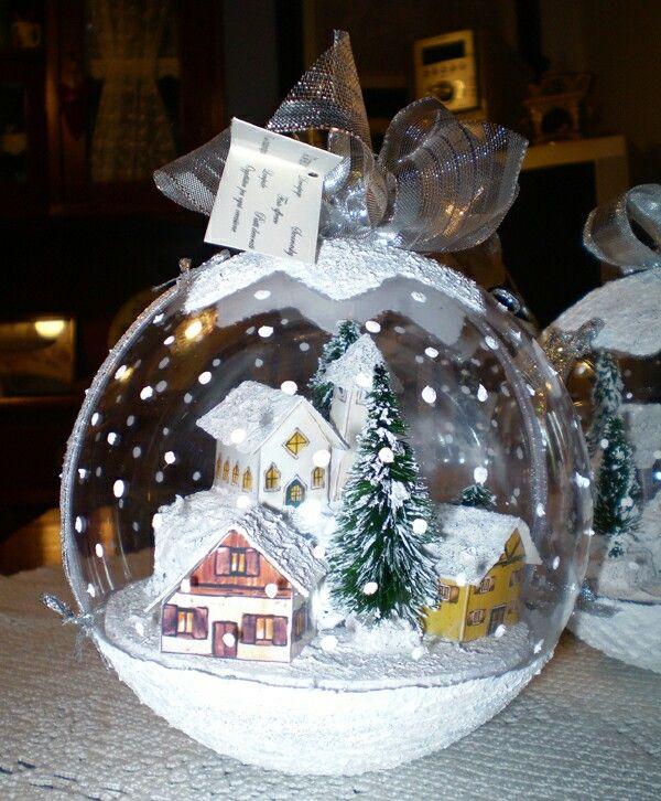 Palla Natale con paesaggio