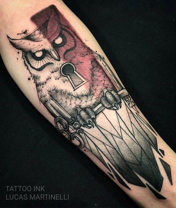 Tatuagem feita pelo tatuador Lucas Martinelli ! Agende sua tatuagem! Tattoo Ink na Rua Joaquim Floriano, 302, Itaim Bibi - São Paulo (11) 2592-0292  Você tambem nos encontra no:  Tattoo Ink  Rua Consolação,  2761 Jardins ( esquina com alameda Jau) São Paulo Sp (11) 3562-5573  Horário de atendimento das 11h às 20h Orçamento pessoalmente ou : contato@estudiotattooink.com.br  WhatsApp: (11) 992390807 www.estudiotattooink.com.br  Excelente ambiente e atendimento com alguns dos melhores tatu...