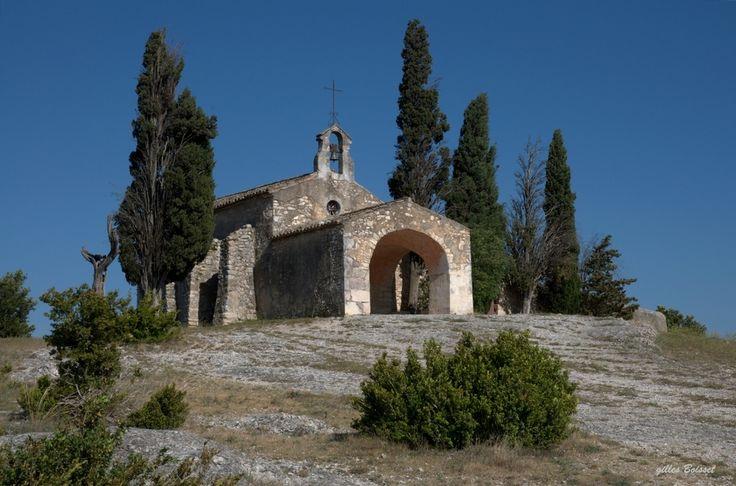 la chapelle dans les Alpilles de gilles Boisset