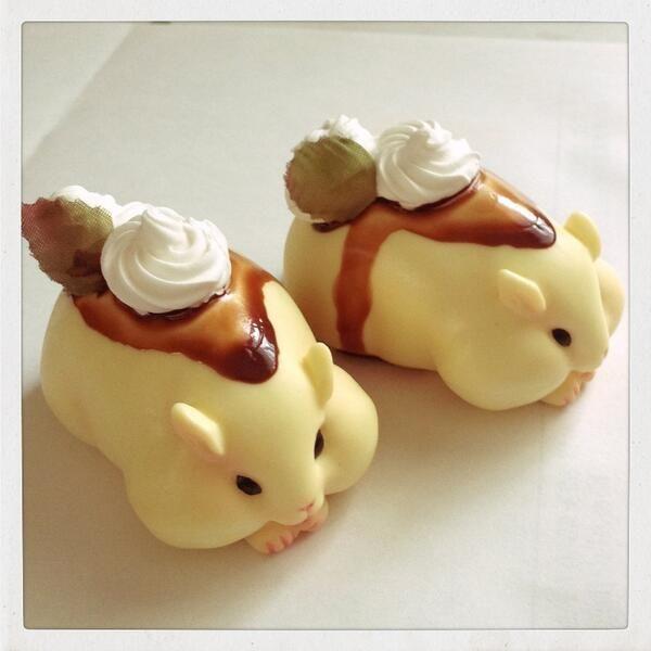 Hamster pudding 昨日の晩に載せたお菓子風もっちりハムスター続編。 プリンハムスター。カラメル部分にちょっと苦労