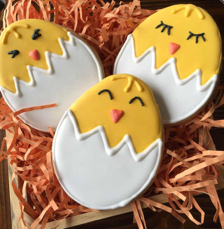 Spring Chick Sugar Cookies; Easter cookies by SavannaSweets on Etsy https://www.etsy.com/listing/268761047/spring-chick-sugar-cookies-easter