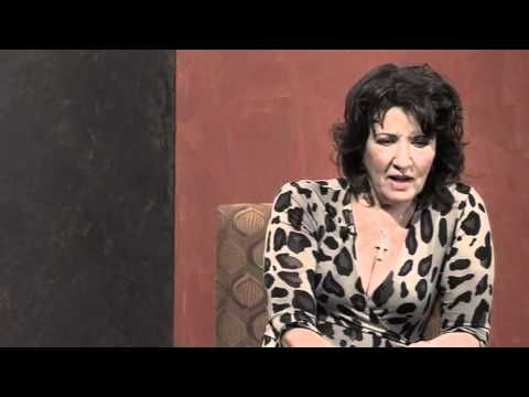 Amanda Muggleton - Meet the Player (Episode 5) Amanda is just a beautiful and inspirational lady and actress.  We did see her performed in Shirley Valentine but she had the guts lol!!!!!