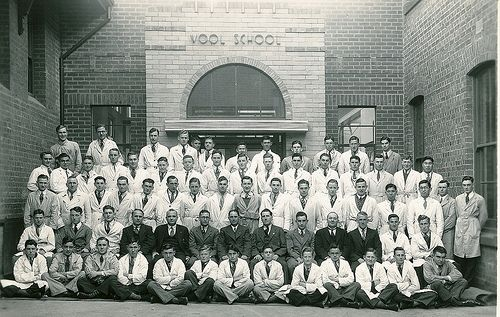 Wool School staff & students 1939 - 1930s vintage, Geelong, Australia #tafe #education #learning