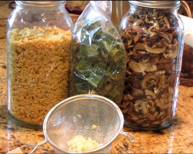 Dehydrating Your Food | American Homestead In Winter | Indoor Projects To Keep You Occupied