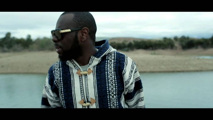 I don't speak a word French, but I can't get enough of this song! Maître Gims - J'me tire (Official Video)