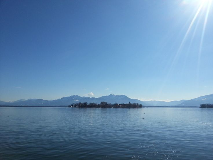 Fraueninsel. Chiemsee. Chiemgauer Alpen.