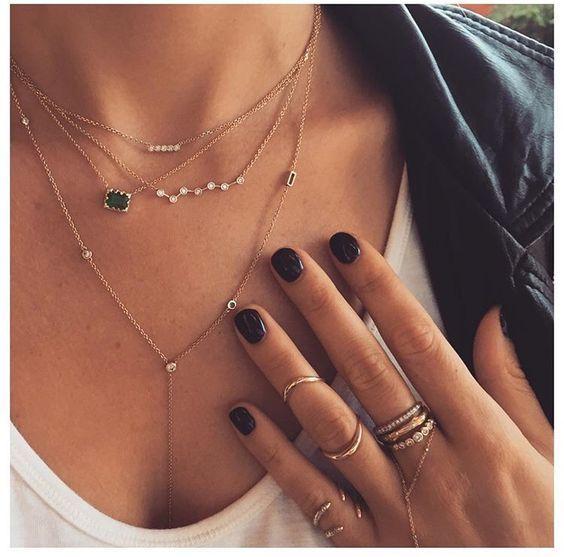 Collier oxyde de zirconium pas cher Chic bijoux vous propose sa sélection de collier oxyde de zirconium pas cher pour une touche d'élégance. Vouz trouverez votre bonheur parmi les différents colliers, bracelets et sautoirs de la nouvelle collection printemps-été 2018. Ce bijou est une nouveauté de créateur qui mélange les styles bohême et chic. Ai vous êtes à la recherche de bijoux fantaisie pas cher c'est par ici!