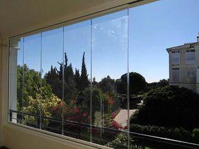 Preciosas vistas desde las ventanas de cortinas de cristal instaladas por Espaluz. Pide presupuesto sin compromiso #cerramientos #cortinasdecristal #cortinasdevidrio #ventanas #terrazas #diseño #reformas