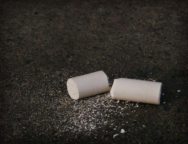 Ανθρώπων Έργα: Σπασμένη κιμωλία, γράφει η Κωνσταντίνα Καντζιού
