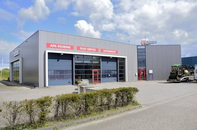 Bedrijfs-/Kantoorruimte huren Roosendaal? Beschikbaar 990m2 aan de Belder 70! Bepaal vrijblijvend uw eigen huurprijs.    #Kantoorruimte #Bedrijfsruimte #Roosendaal #Huurbieding #Beschikbaar #Vastgoed #Loods #Hal #Kantoor #Belder #Borchwerf #A17 #Garage #Auto #Loodgieter #Transport #Logistiek #Glas #Vrachtwagen #Hoofdkantoor #Huren
