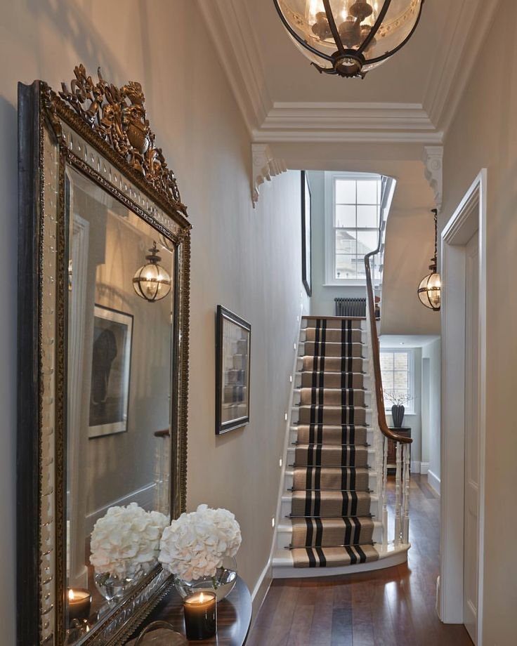 """2,349 Likes, 65 Comments - Sophie Paterson (@sophiepatersoninteriors) on Instagram: """"Entrance hall to the Chelsea townhouse with gorgeous @jamb_london chandeliers #Chelsea #london…"""""""