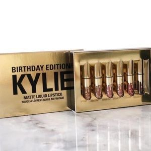 Brandy Melville Accessories - Kylie Jenner limited-edition birthday set