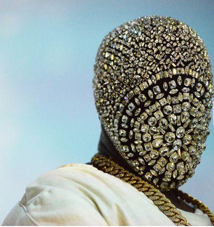 Vibresse Blog: Kanye West jeweled mask at the Paris Fashion week
