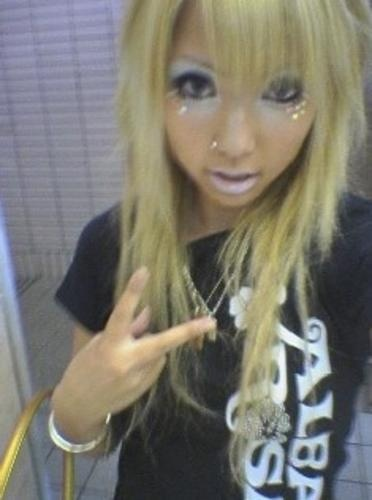 Ganguro Yamanba | only like the kigurumi style when there is a ganguro girl inside!