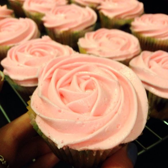 Raspberry rosewater cupcakes :: Chelsweets