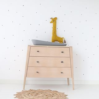 Yes! We also posted the video for these supercute cozy dots wallstickers. Be sure to have a look and get inspired! It's on both our video page as the productpage! #cozykidzvideo #miesenco #mies&co #oyoy #wallstickers #nursery #nurserydecor #nurserydeco #muurstickers #babykamer #babykamerstyling #babykamerstylist #kinderkamer #kinderkamerstyling #kinderkamerstylist #barnrum #barnrumsinspo #barnrumsinredning #leander #leandermoment #lineabyleander #matty #noahthegiraffe