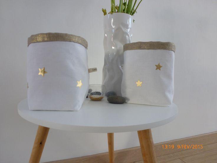 panier vide poche corbeille en lin irrisé doré et linge ancien blanc : Chambre d'enfant, de bébé par laet-it-broc