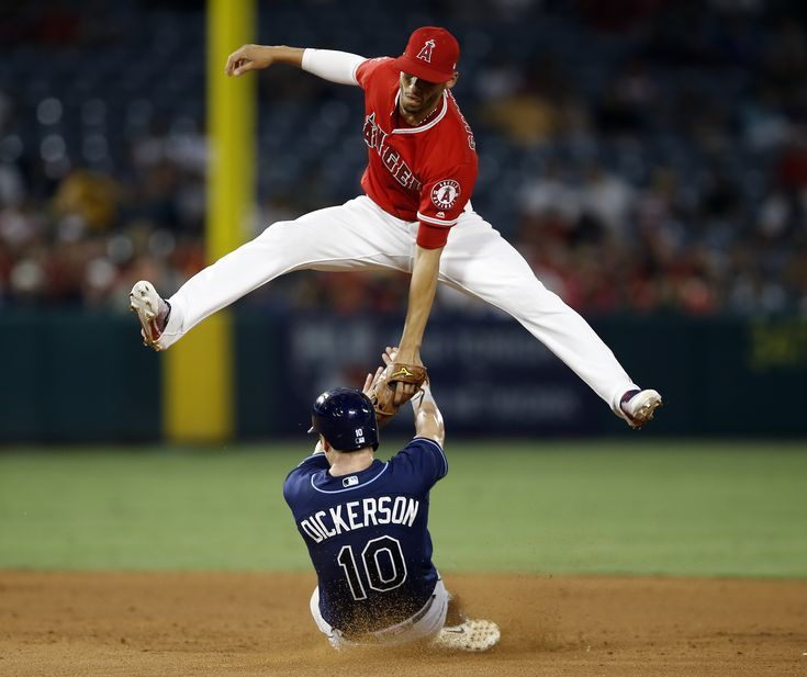 Make Plays Like This One Tune In Tonight At 5 30 Pst For The First Knowledge Packed Big League Edge Basebal Baseball Angels Baseball La Angels Baseball
