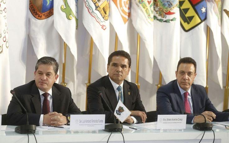El gobernador de Michoacán participó hoy en la reunión que integrantes de la Conferencia Nacional de Gobernadores (Conago) sostuvieron con el presidente Enrique Peña Nieto para definir acciones ante las ...