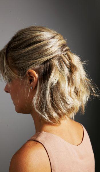 Confira o passo a passo de um penteado rápido e sofisticado: um semi preso com mechas sobrepostas, ideal para cabelos médios
