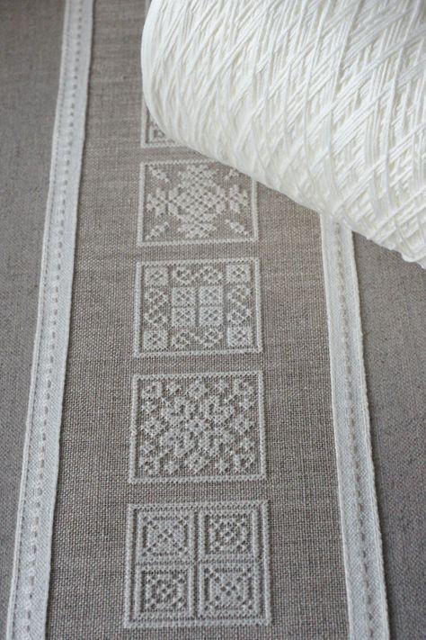 cross stitch napkin , pinteres |