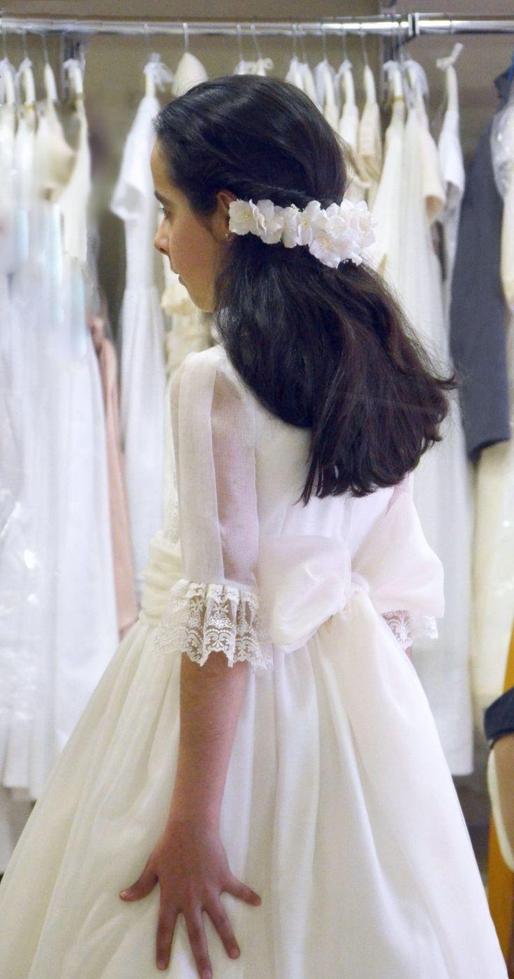 Un vestido de Comunión especial para Inés. Espacio para compartir con Vosotras…