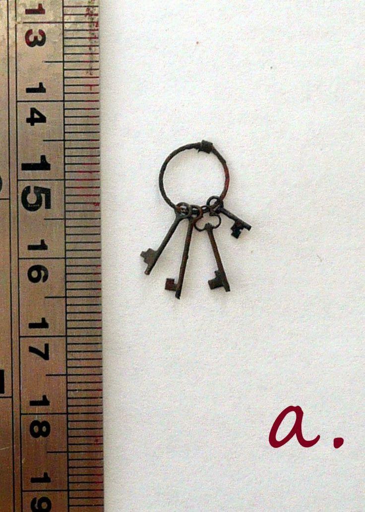 1:12 scale Old rusty keys giveaway.