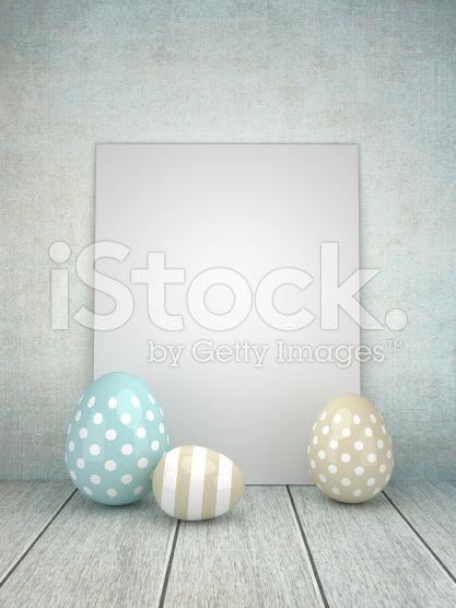 3 d błyszczące jaja wielkanocne leżenia na rustykalne Tabela – zdjęcie typu royalty-free