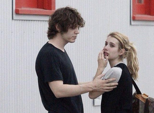 Pin By Elo Zaldivar On Evan Peters In 2020 Evan Peters Celebrity Couples Actors Actresses