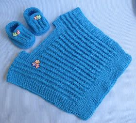 Na continuidade do enxoval do Nicholas fiz estas duas peças que são um curinga na hora de vestir o bebê. Gosto desse modelo de coletinh...