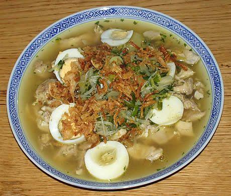 Soto Ajam, een Indonesische gevulde maaltijdsoep. Bereid door de Happy Chief Cook.
