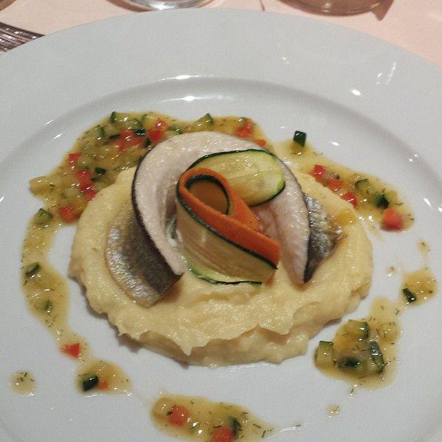 La cena continua con un filetto di trota del Soca (isonzo) con polenta e verdurine #food #grandeguerra #Slovenija #slovenia