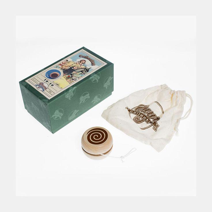 Juego tradicional compuesto por un yo-yo de madera, en estuche de 15x8x7