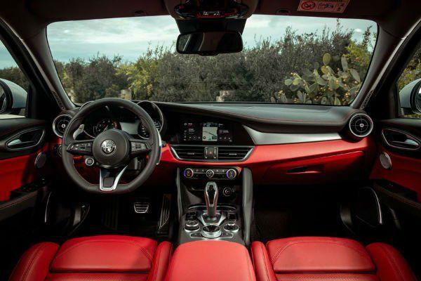 2020 Alfa Romeo Giulia Quadrifoglio Interior In 2020 Alfa Romeo Giulia Quadrifoglio Alfa Giulia Alfa Romeo Giulia