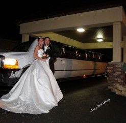 #limo #anthonyslakeside #entrance #wedding #reception