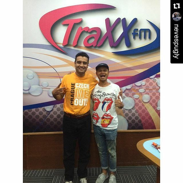 Repost @nevespugly Tq DJ Roundhead for the cool interview. U awesome! #nevescugat #traxxfm #rtm #radio #malaysia #promo #b #bongok #bforbongok