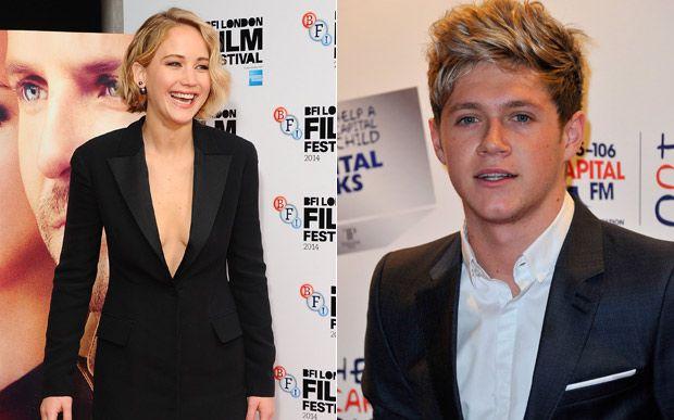 5 caras que seriam namorados perfeitos para Jennifer Lawrence  5. Niall Horan Mais um cara divertido para Jlaw. Niall, do One Direction, está solteiro e é muito engraçado. E Jlaw ainda poderia virar a musa dos clipes do 1D! *-*