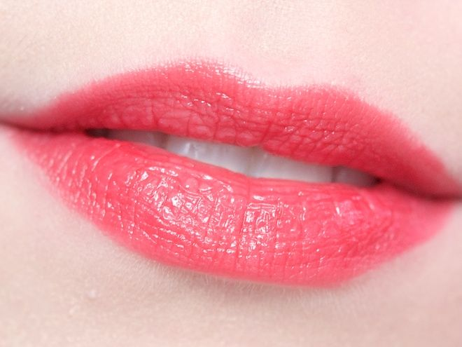 Maybelline Color Whisper Lipstick in Who Wore It Red-er