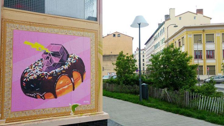 happycurio rauky street art lyon mazagran donut