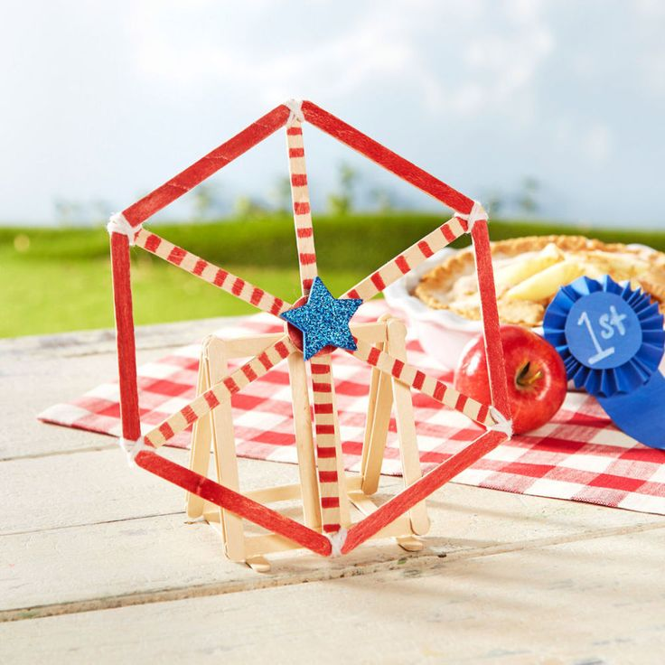 Create your own miniature county fair with a Craft Stick Ferris Wheel