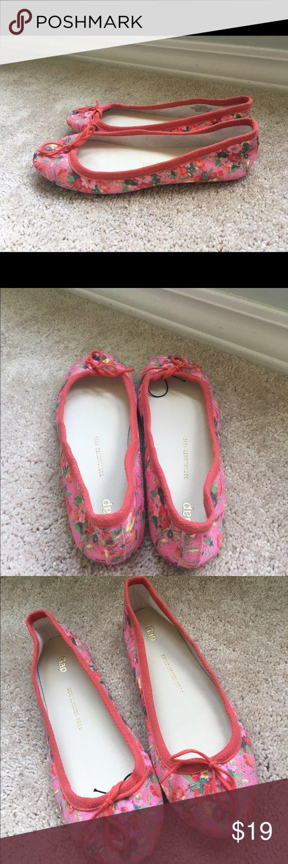 Gap floral slip ons Gap floral slippers, pink, orange GAP Shoes Flats & Loafers