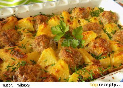 Zapečené mleté kuličky s bramborami a smetanou recept - TopRecepty.cz