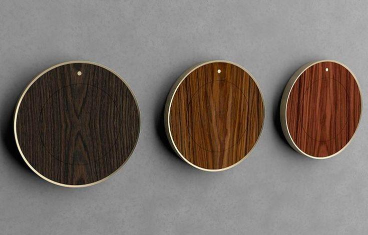 Деревянные часы без циферблата