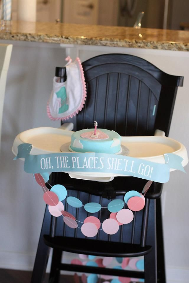 Oh The Places She'll Go // Hot Air Balloon 1st Birthday Party Ideas
