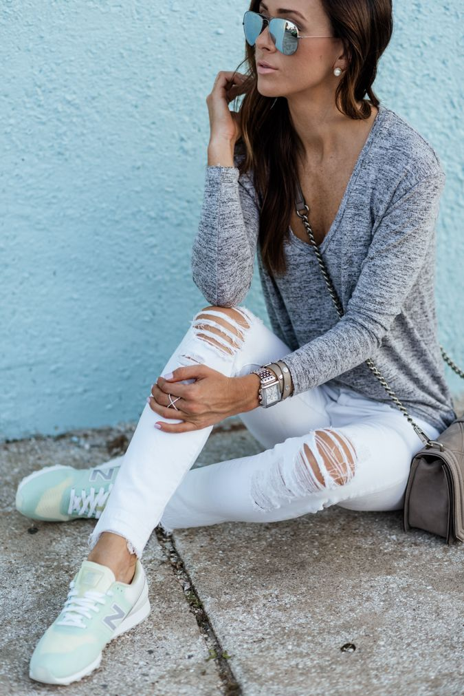 CASUAL WEEKEND STYLE IN NEW NEW BALANCES | Sequins and Things | Bloglovin'