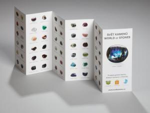 Leporelo Drahé kameny - Jednoduchá a přehledná skládačka obsahuje 120 druhů známých i méně známých drahých kamenů. Leporelo slouží jako přehled všech kamenů, které popisujeme na kartičkách, zároveň také jako motivační seznam pro jejich sbírání. Rozměr 54 x 21 cm v rozloženém stavu.
