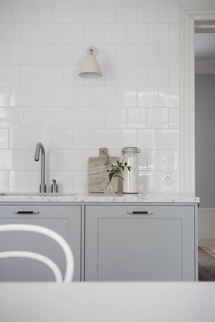 Vaalean harmaa keittiö Pale grey kitchen untis
