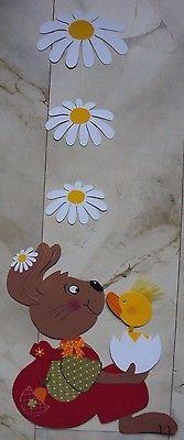 Fensterbild/Mobile Tonkarton:Ein Hase mit einem Küken im Ei+Margeriten Blüten XL