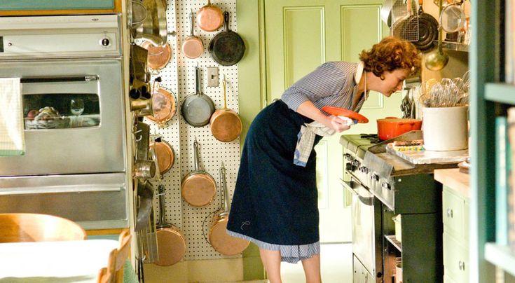Κάθε μαμά σκέφτεται καθημερινά «Τι να μαγειρέψω σήμερα για το παιδί μου;» Η σύγχρονη μητέρα έχει απομακρυνθεί από την κουζίνα όχι γιατί το θέλει κατά ανάγκη, αλλά γιατί παλεύει μονίμως με το χρόνο! Η προετοιμασία ενός υγιεινού γεύματος πιστέψτε με δεν παίρνει και τόσο χρόνο, άπλα χρειάζεται λίγη προετοιμασία και πρόγραμμα. Μην πέσετε στην παγίδαRead More