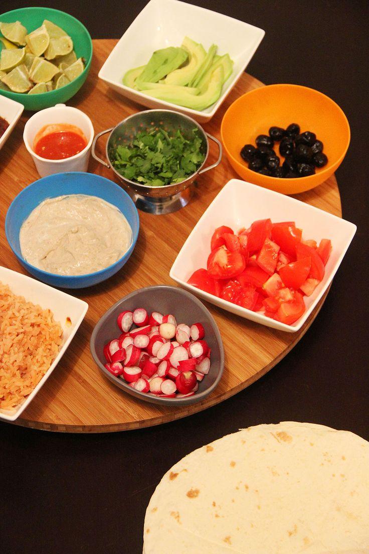 Les tacos sont une spécialité mexicaine très simple : ils consistent ni plus ni moins en une tortilla roulée que l'on remplit d'aliments. Je les apprécie car selon moi ils représentent la combinaison parfaite de la chaleur des épices et de la fraîcheur des légumes ! C'est un plat qui a beaucoup de saveur, pas…